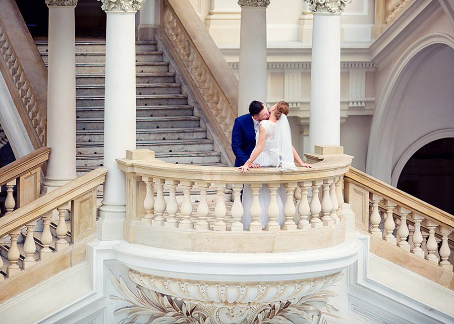 Wedding session Main building of Warsaw University of Technology