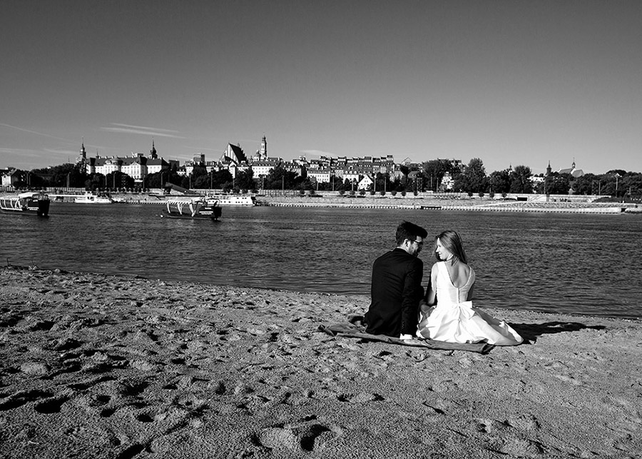 Wedding session on the beach in Warsaw