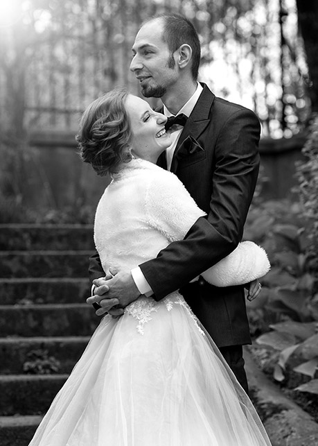 Anita and Łukasz's outdoor wedding session Botanical Garden, Warsaw