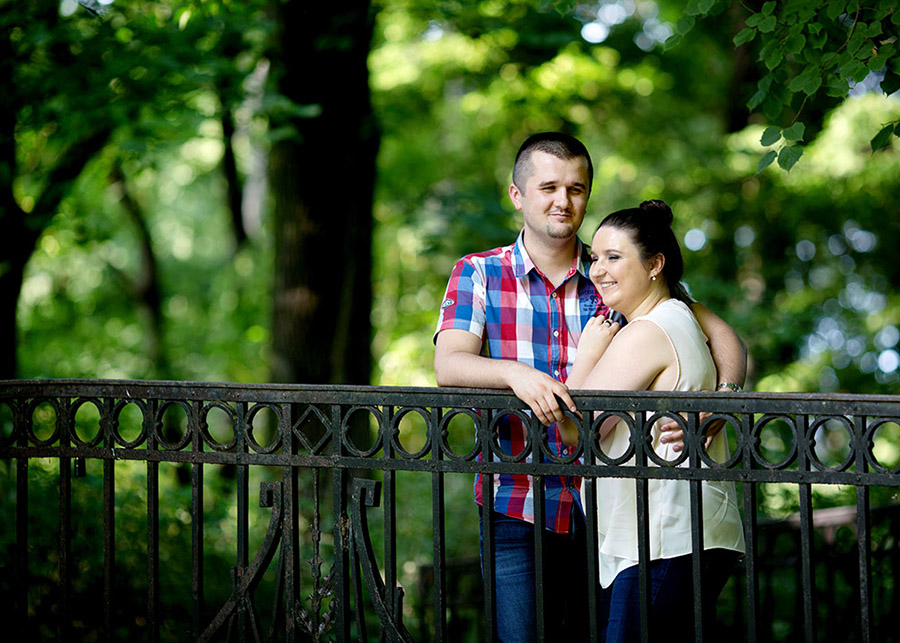 Justyna and Marcin's engagement photo session Warsaw, Skaryszewski Park