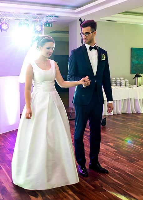 Karolina and Marek's first dance Borowina Hotel, Konstancin Jeziorna