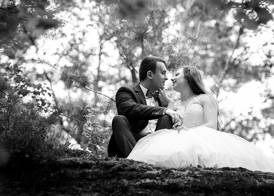 Angelika and Łukasz's outdoor wedding session Nature Reserve near Niekłań